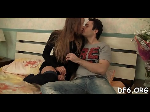 Kiss sex with romantic Defloration first