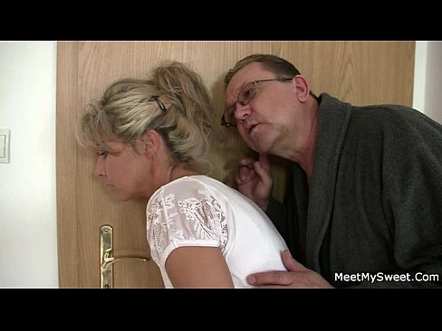 His mom and dad tricks her into sexXXX Sex Videos 3gp
