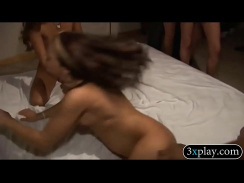 Curvy babes pounded while others watches's Thumb