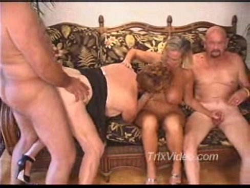 Video bokep Mature Orgy 1