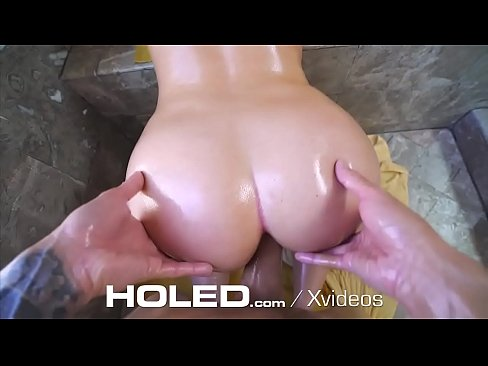 Clip sex HOLED Massive Dick Actually Fits In Poor Girls Tight Ass