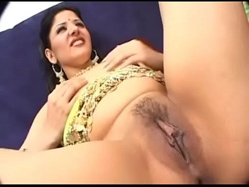 Indian Lady In Traditional Garb Takes It Off To Fuck Porn Com Xvideos Com
