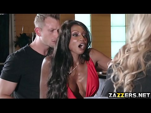 Diamond got fucked sneakily in her ass