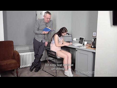 Clip sex Tricky Old Teacher - Hottie achieves her goal with the help of hard sex