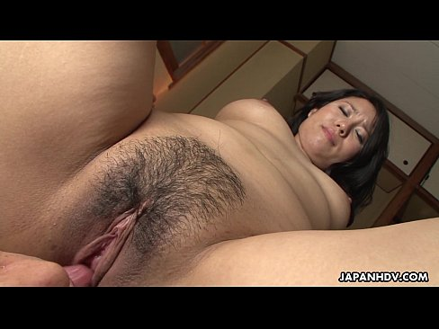 Clip sex Mature brunette Asian gets her hairy cunt filled up