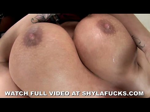 Shyla Stylez Gets Pounded By Black Dick's Thumb