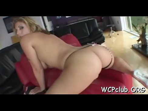 Cutie can'_t live without getting big jocks inside of asshole's Thumb