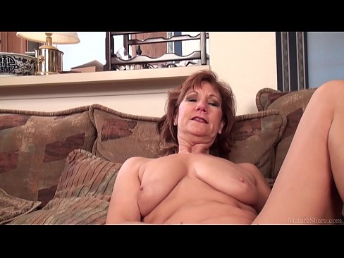 Clip sex Mature mom Brook playing with her shaved pussy