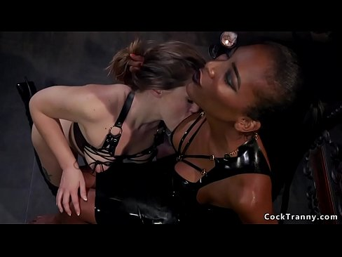 Black domme shemale anal fucks sub