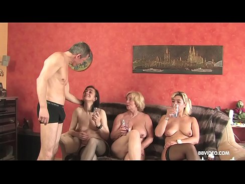 Amateur German threesome with old sluts and a pierced guy's Thumb