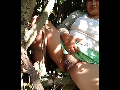 Thai Aunty Flashes Her Bush In The Bushes