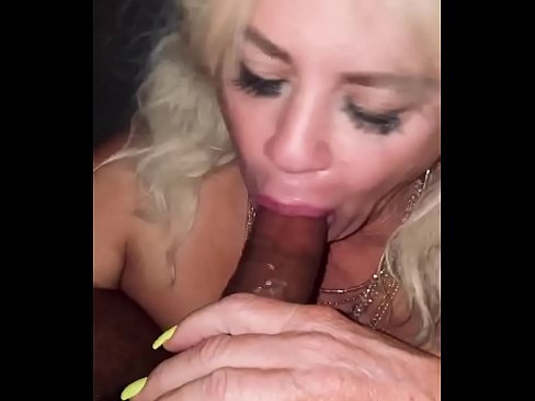 sluttyviolet gets a giant load in her face