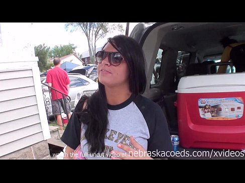 Party Nude chicks tailgate