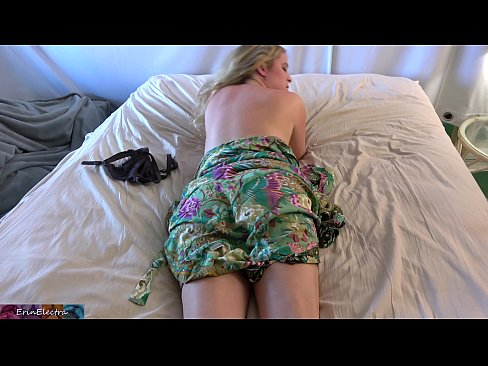 Stepson gives stepmom a massage and creampie
