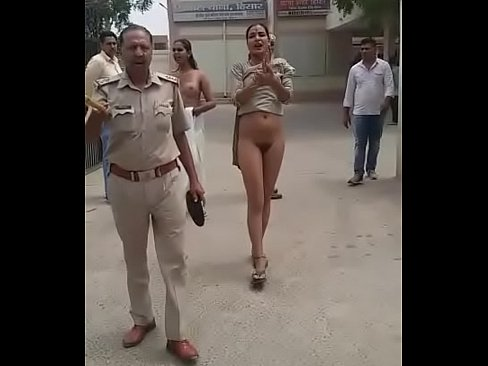 Father playing with daughters pussy