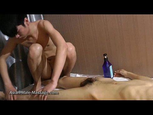 naked massage with oil
