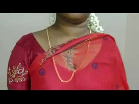 Hot Mallu Servant Aunty Saree Drop to impress Young boys's Thumb