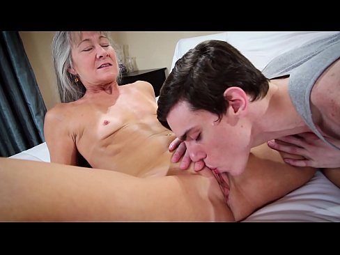 xxx moms walk in
