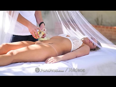 Blonde massage fuck and facial