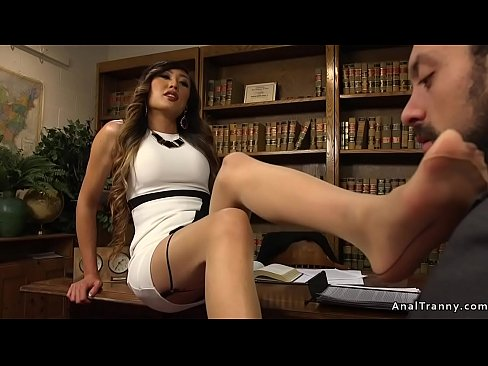 Busty tranny anal bangs hairy ass dude
