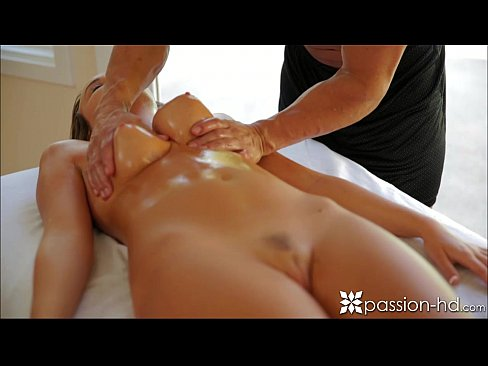 Passion-HD Sexy babe gets a pussy massage