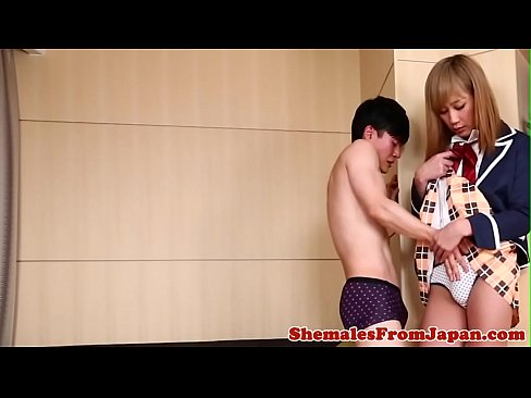 Smalltitted ladyboy assfucked while jerking