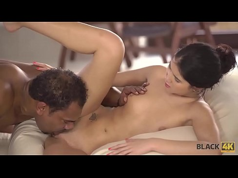 Clip sex BLACK4K. Interracial coitus of rich babe and her black muscled coach