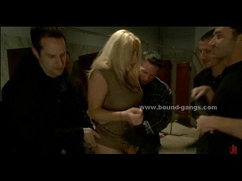 Blonde โป๊ หญิง rough gang bang sex