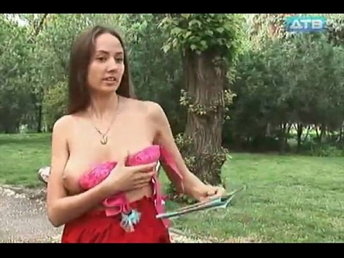 SEXY UKRAINIAN GIRL – NAKED & FUNNY COMEDY SHOW