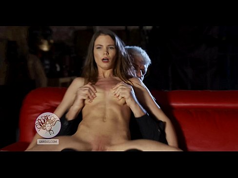 Clip sex Beautiful girl gets her nipples twisted hard