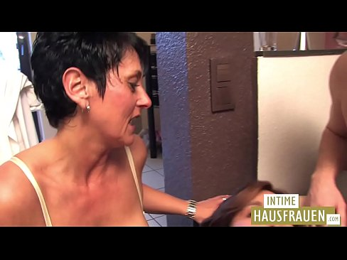 Clip sex Threesome with a beautiful milf