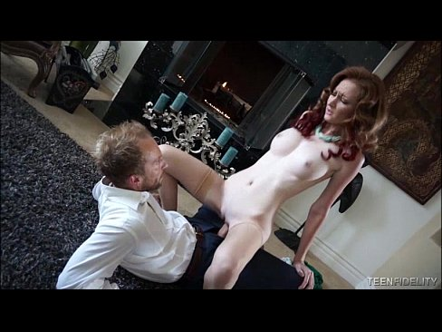 Clip sex Redheaded Pinup Doll Dee Dee Lynn Needs Some Big White Cock