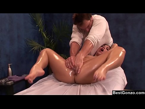 Clip sex BestGonzo - Teen is slippery wet after erotic oil massage.