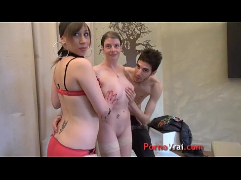Girl friend play neighbor milf lesbian