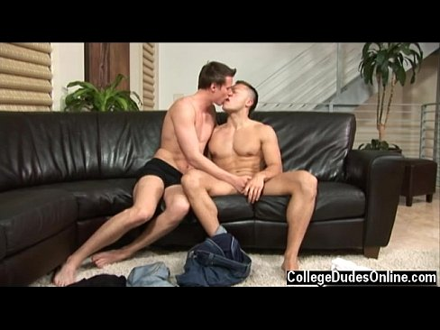 Hot twink scene Paulie Vauss and Brody Grant hammer it off right