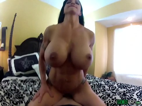 Porn Goes Pro - Jewels Jade is fucked by a big dick, big booty and big boobs's Thumb