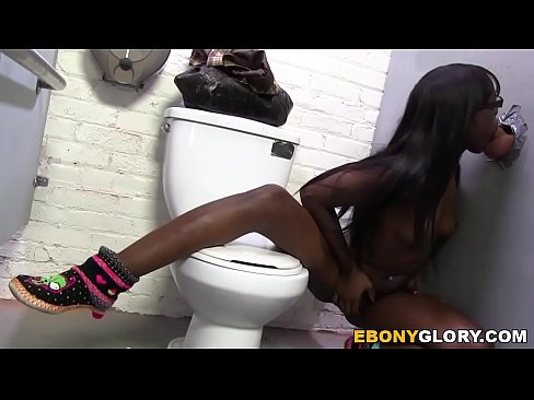 Gloryhole Slut Ebony Ana Foxxx Gives Blowjob