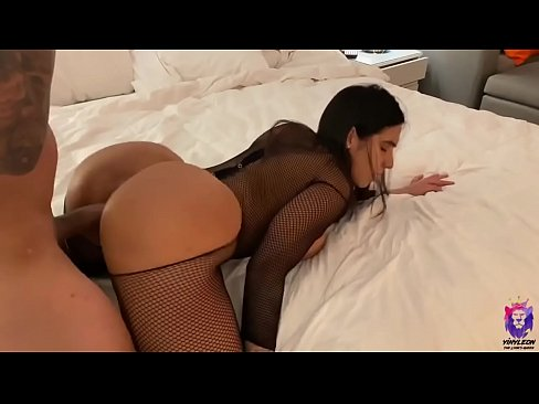 Big ass escort gets fucked by stud in hotel room