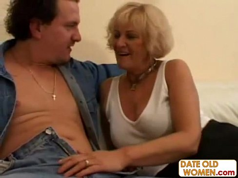 Granny Open Her Mouth For Young Sperm Xvideos Com