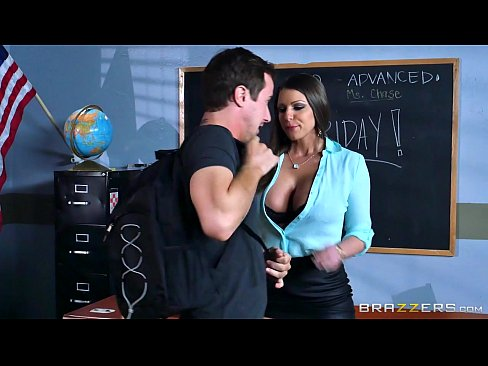 Hot Mom Porn – Hot Mom Brooklyn Chase Teaches Her Student