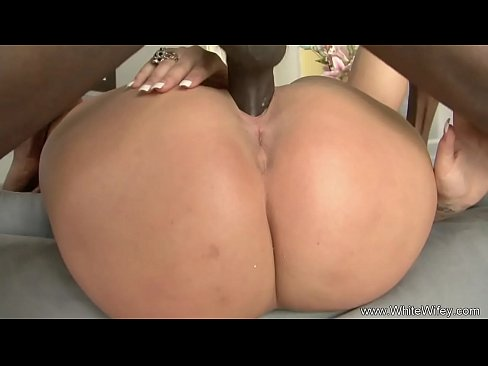Blonde Bimbo Housewife Interracial BBC Fuck