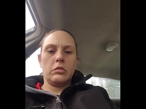 Hot gf pleases herself in the car