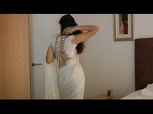 cover video indian colle ge girl jasmine mathur in white indian sari