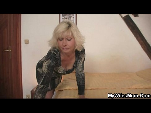 Clip sex Blonde mother in law seduces me into sex