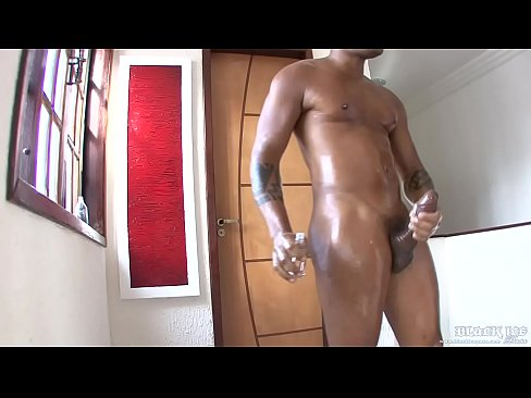 Oiled-up-brazilian-butts-3-scene1-15