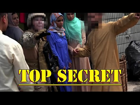Clip sex TOUR OF BOOTY - American Soldiers In The Middle East Shopping For Good Arab Pussy