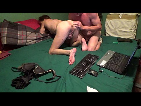 cover video husband fing ers wife and licks clit