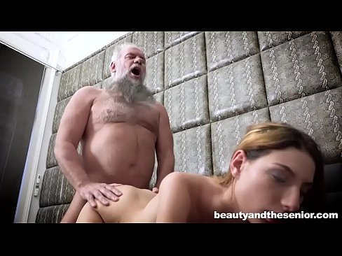 Clip sex Doctor Does Routine Check on Old Cock