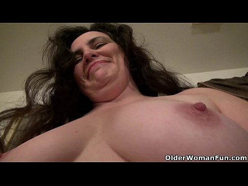 American milf Lexy James fucks her nyloned pussy with dildoXXX Sex Videos 3gp