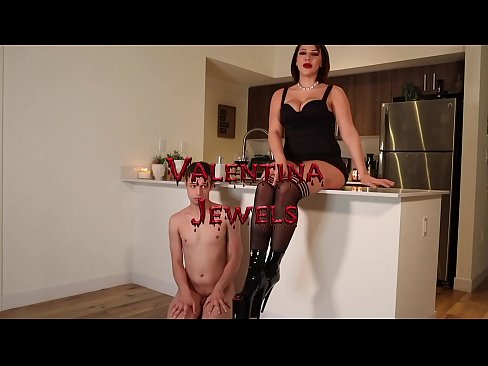 Mean Bitches At Home : Valentina Jewels